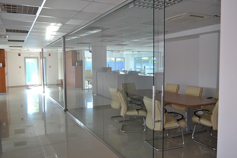 стъклена витрина 2